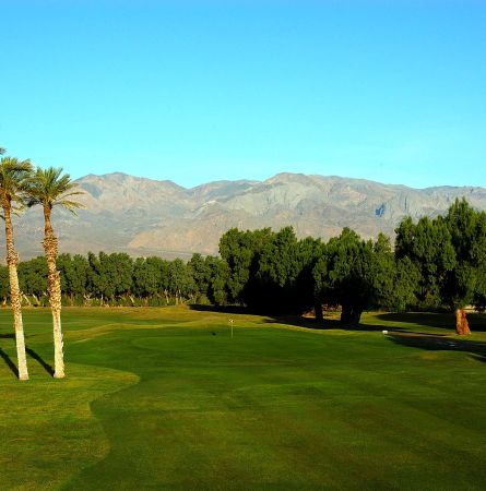Steve Elkington and Secret Golf Head to the Oasis at Death Valley