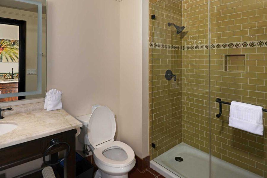 Inn casita bathroom