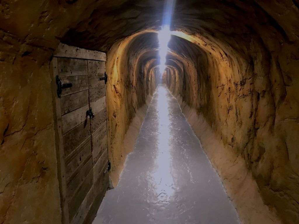 Inn Tunnel